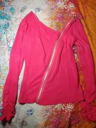 Pink stretchable zipper top