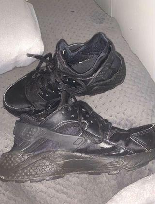 Size 7 Huaraches