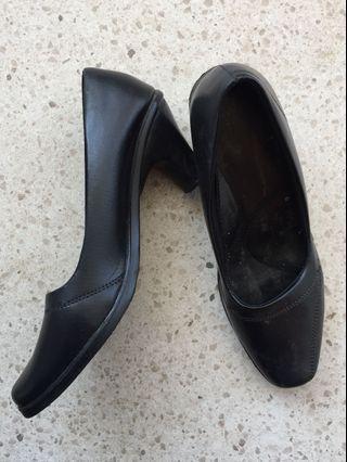 #diskonokt Pantofel hitam
