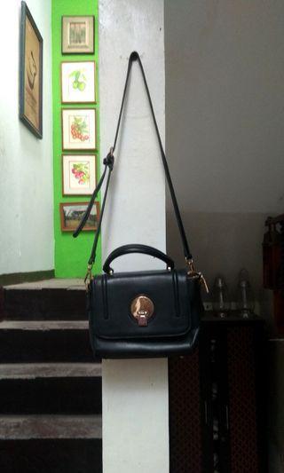 Tas wanita selempang sling bag