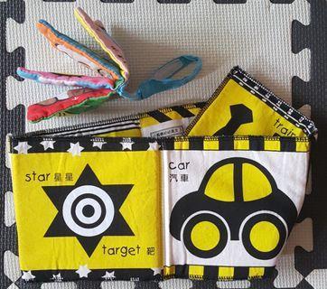 2本寶寶布書 小瓢蟲幼幼英文 線條 動物 彩色 日文 布書 嬰兒車掛飾玩具