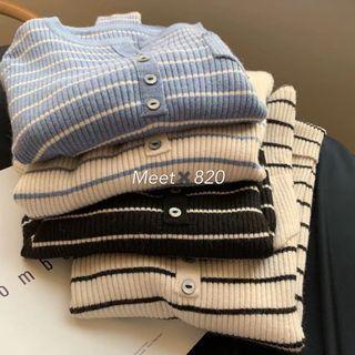 1024🔛排釦領條紋針織衫