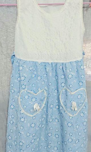 童裝  藍白色洋裝 蕾絲小洋裝 無䄂洋裝 洋裝