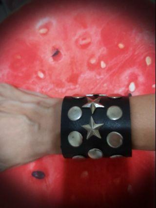 星星鉚釘搖滾皮手環