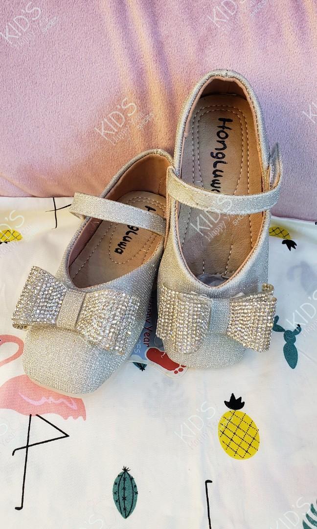女童銀色閃閃蝴蝶結 花女鞋 秋鞋