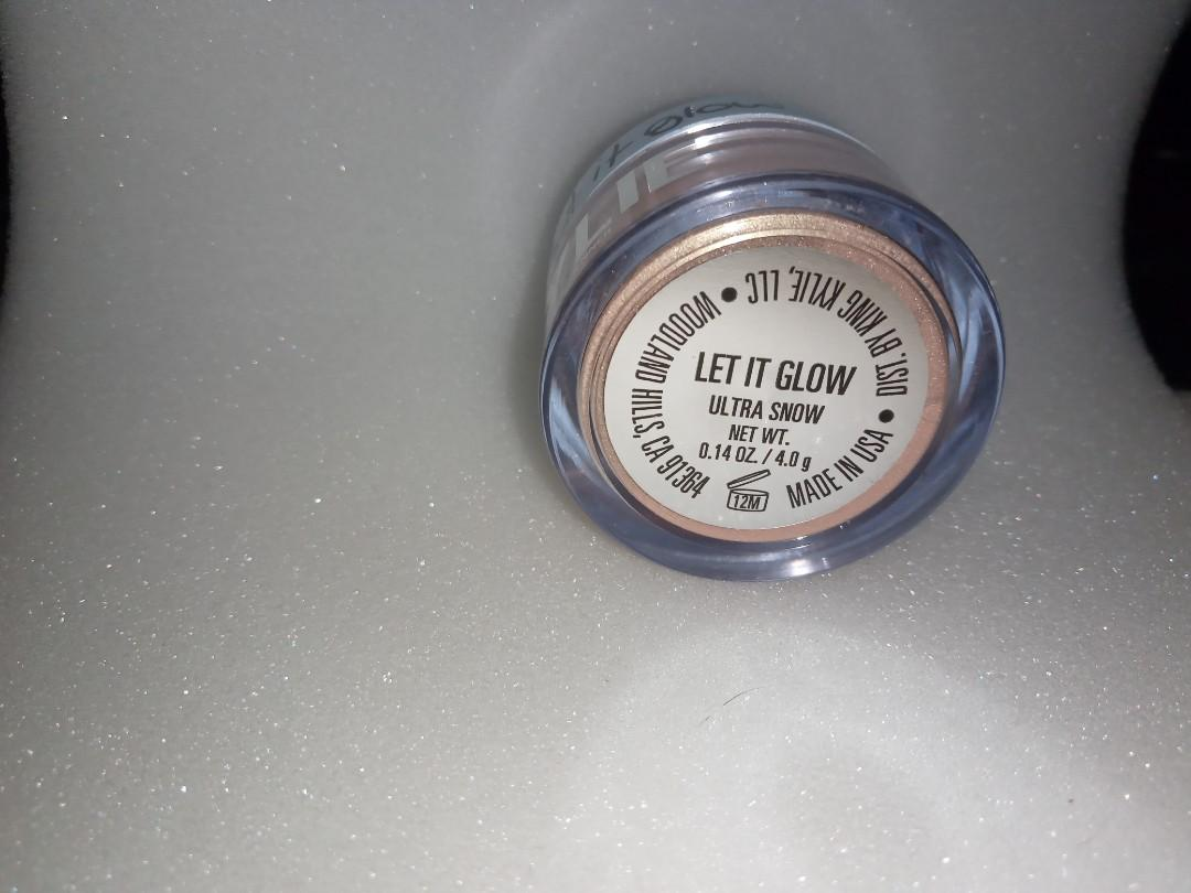 Kylie cosmetics - let it glow ultra glow highlighter.