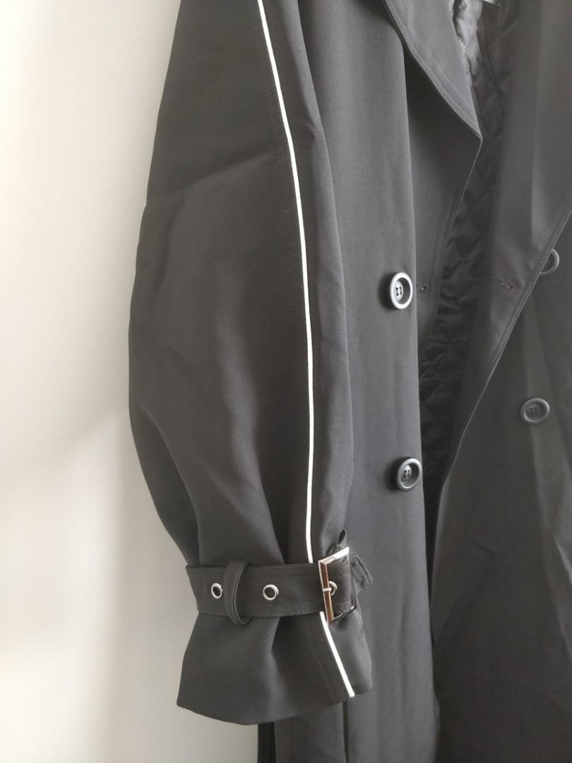 NWT Oversized raglan sleeve long padded black trench coat size S