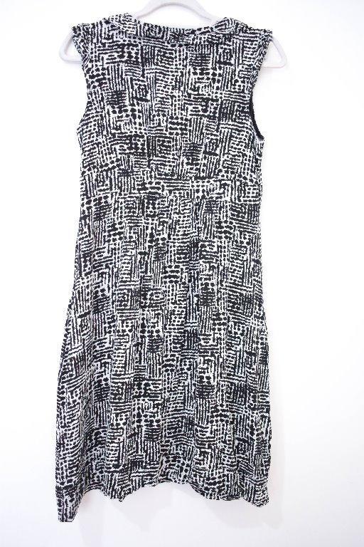 Pre-Loved Women's Black & White Dress Size (Large)