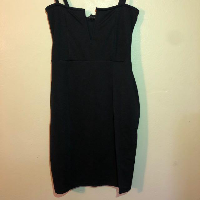 Pretty Little Thing - Black Extreme Thigh Split Panelled Plunge Bodycon Dress