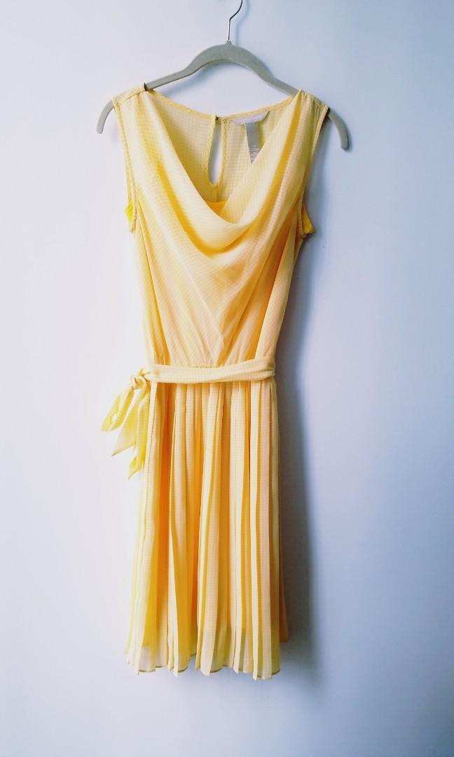 XS Yellow Belle Banana Republic Chiffon and Silk Pleated  Dress