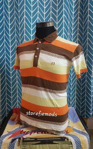 T shirt Kolar Han Teng butang kayu