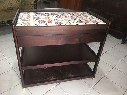 Baby Changing Table / Meja Ganti Pakaian Bayi Preloved merk Hakari Kayu Cokelat