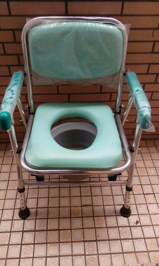 老人,病人,行動不便者之方便椅