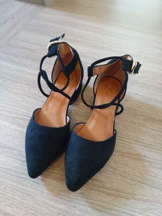 尖頭麂皮繫帶瑪麗珍鞋