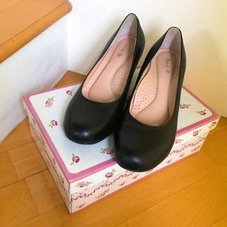 《全新-出清價》大尺碼26cm 低跟皮鞋