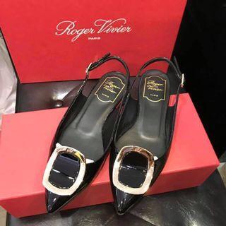 Roger vivier 平底涼鞋