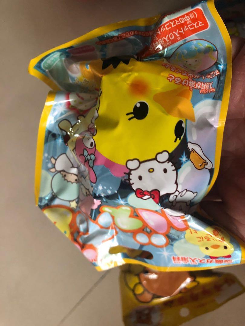 日版三麗鷗沐浴球內有玩具