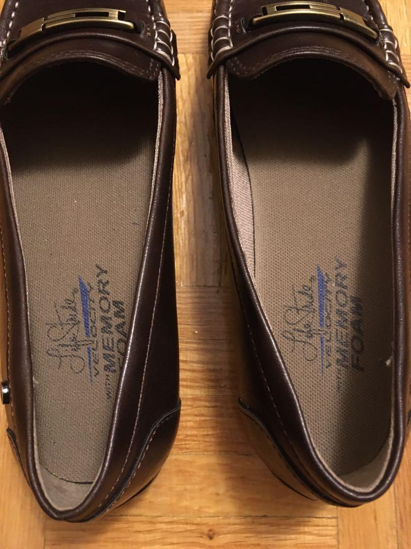Brand new life stride velocity with memory foam flats