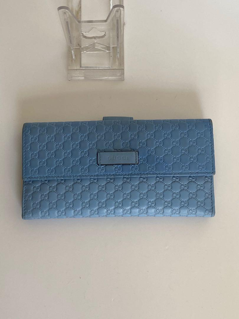 Gucci long wallet baby blue leather. 100% real. Excellent condition