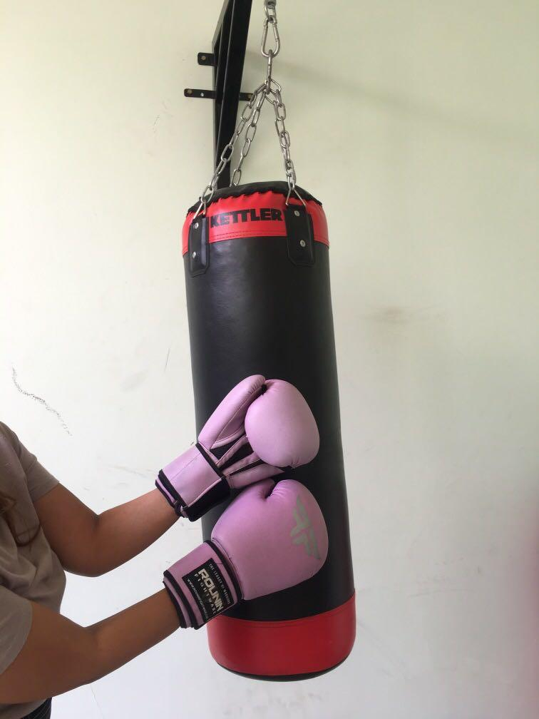 11.11 SALE! Kettler Punching Bag and Boxing Gloves