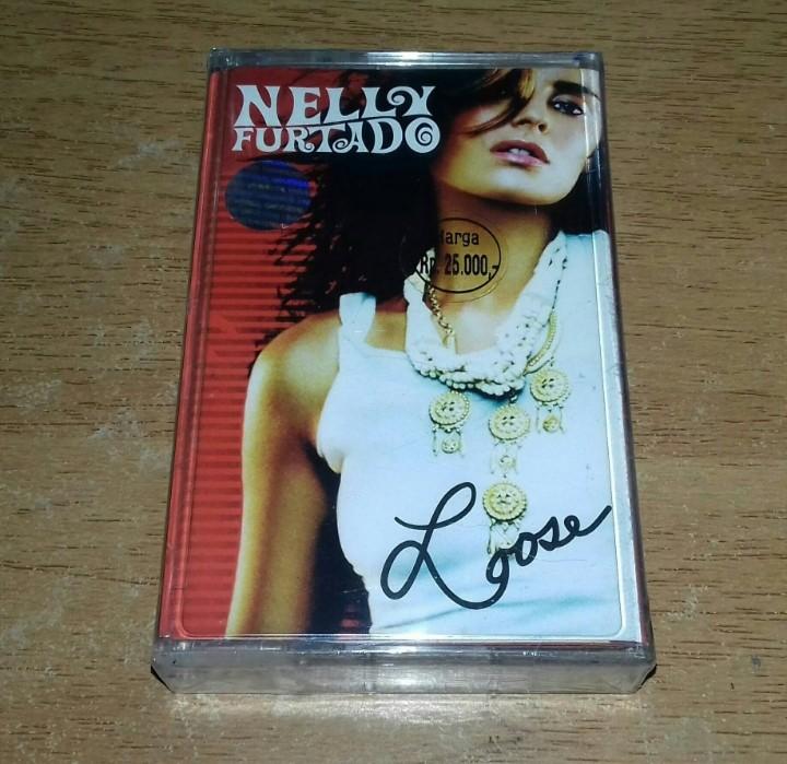 NELLY FURTADO - Loose - Cassette Tape | Avril Lavigne Dido Natalie Imbruglia  Christina Aguilera