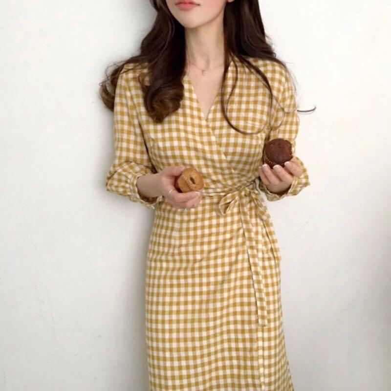 韓國歐膩☕️V領棉麻氣質溫柔慵懶復古格紋側邊綁帶洋裝 (全新)