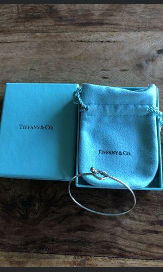 近新。Tiffany&co. 18k愛心純銀手環