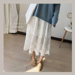 現貨 清新鏤空蕾絲花邊長裙 ST1091