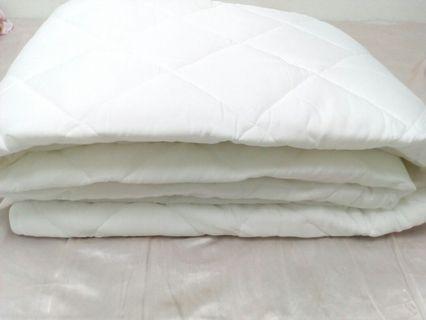 雙人床保潔墊(加大)6*6.2呎