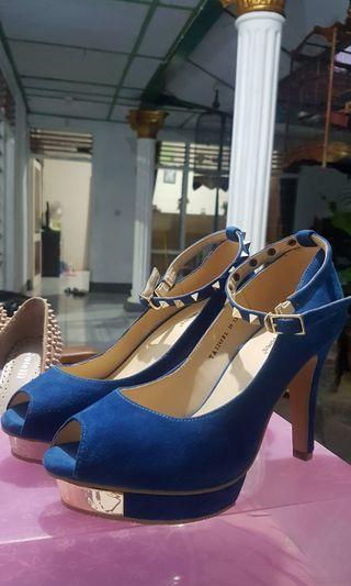 Hush Puppies blue heels