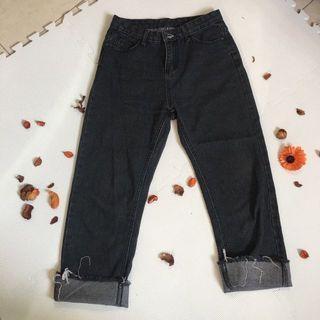 黑色直通反折牛仔褲