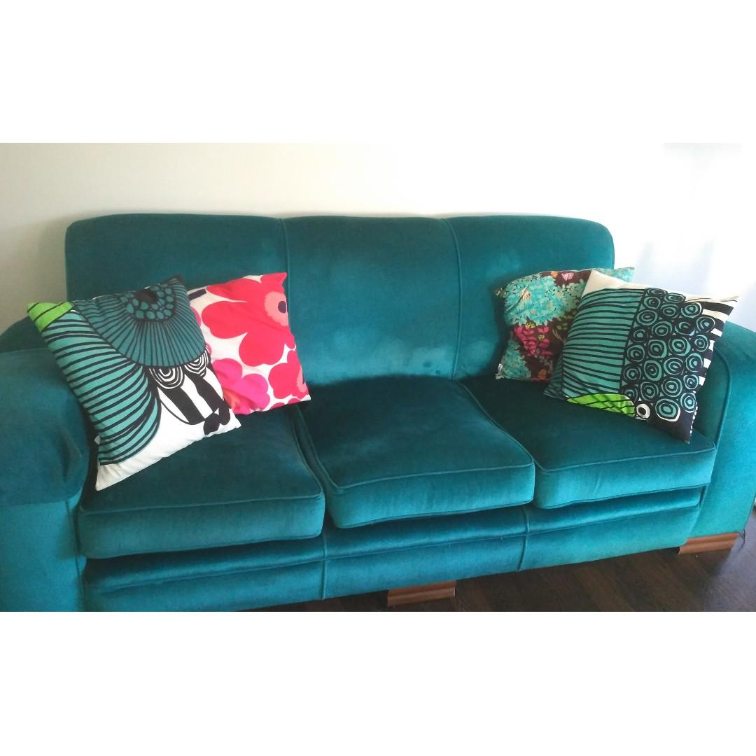 Plush velvet retro vintage 3 seater and 2 single seat couch