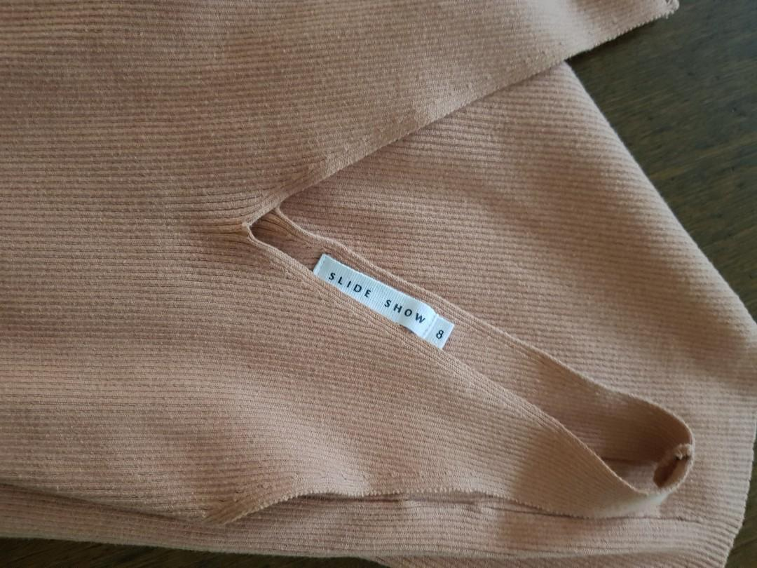 Slide show missguided size 8 knit ribbed peach dress slit