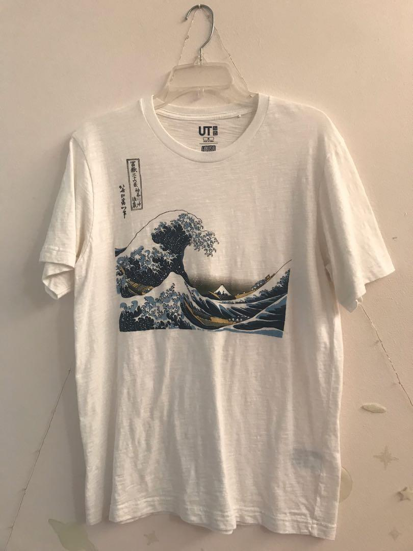 Uniqlo UT Great Waves TShirt (Mens M)