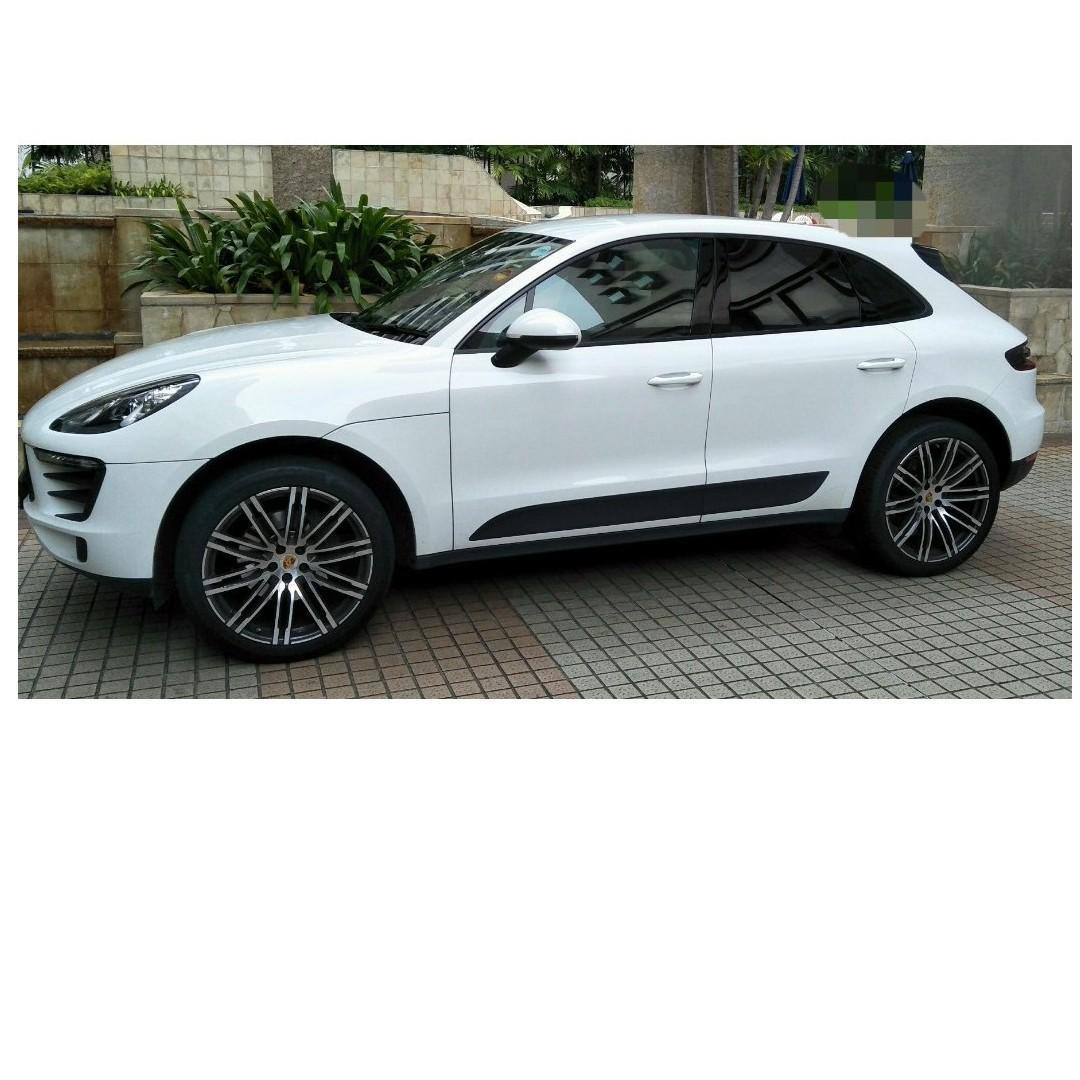 Wedding Car ($198 for the first 8 couples' wedding by 31 Jan 2020)