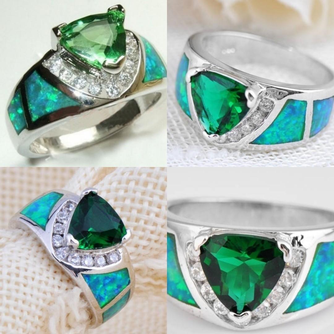 Women's 925 Sterling Silver Triangular Green Emerald & Fire Opal Ring