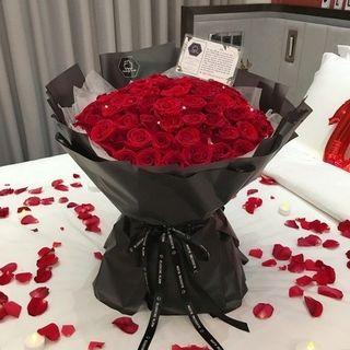 💕🌹Giant Rose Bouquet