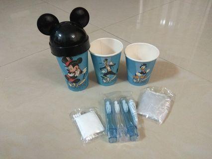迪士尼飯店 衛浴用品 牙刷 牙膏 漱口杯 盥洗用品 飯店盥洗用品 收藏用 買一送一 (另一組紙杯無內容物)米奇造型