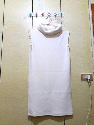 白色背心針織洋裝