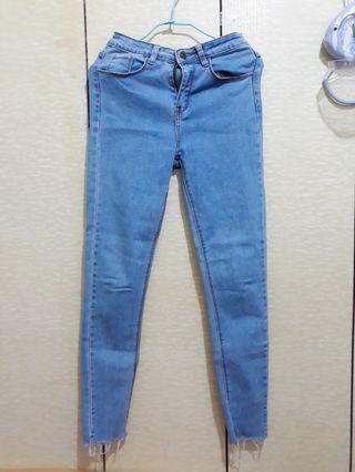 淺藍牛仔長褲