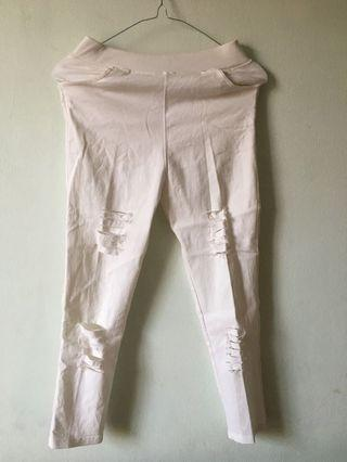 white ripped jegging