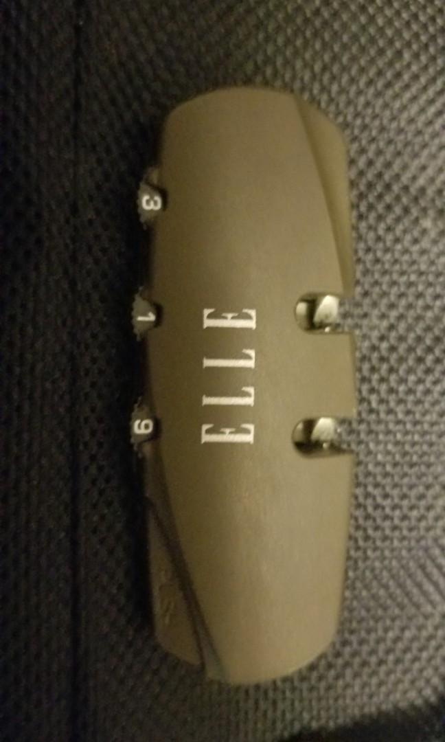 22寸Elle軟喼( 可以手提上機)