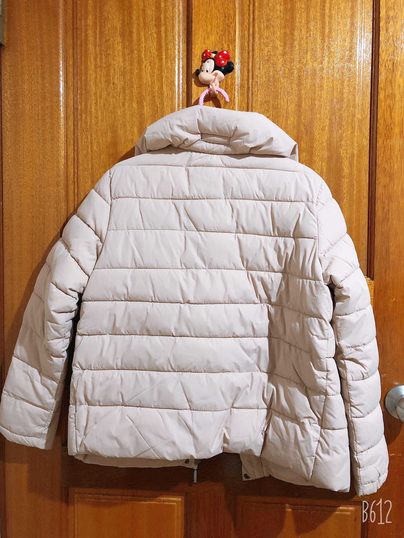 米色風衣外套