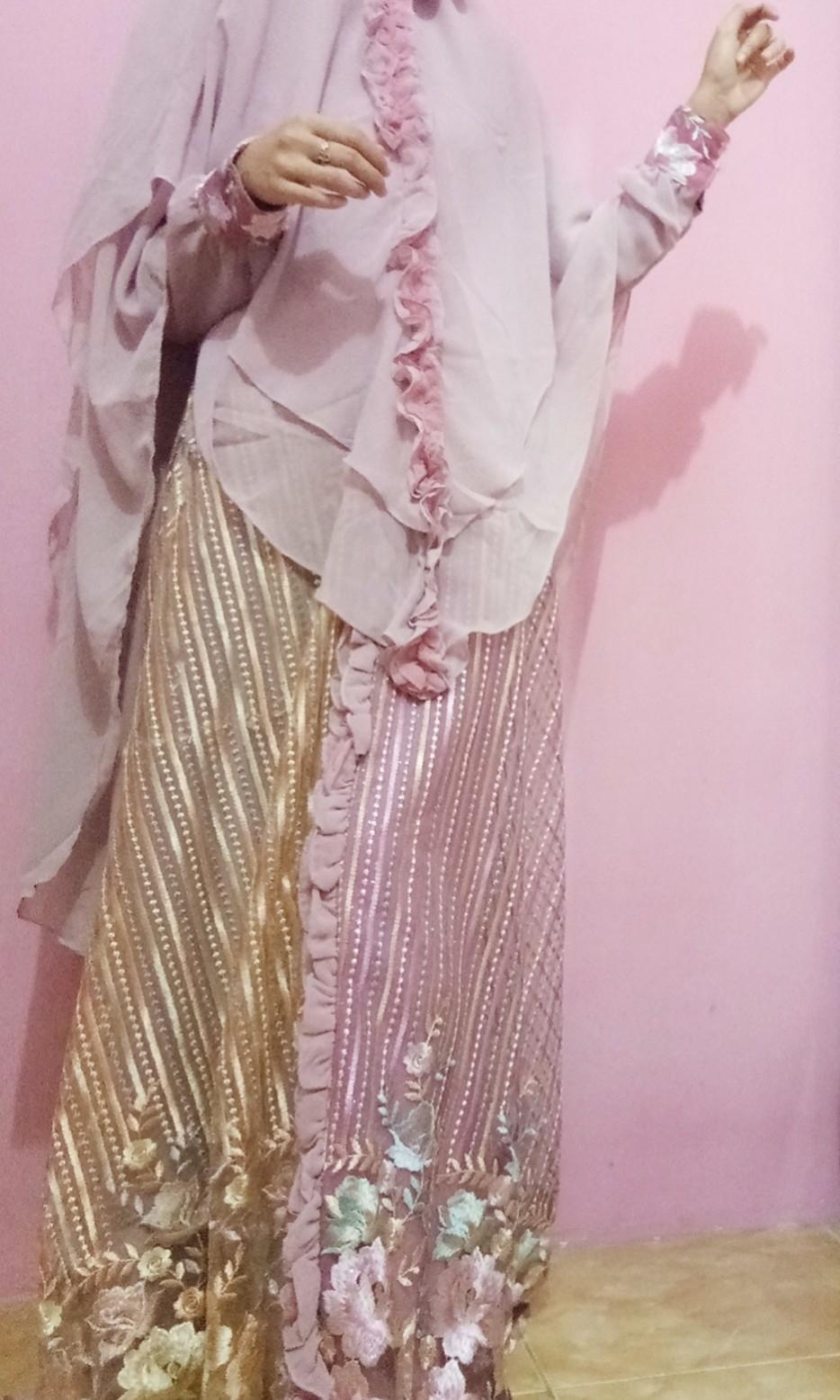 Baju Pesta Syar'i setelan kerudung
