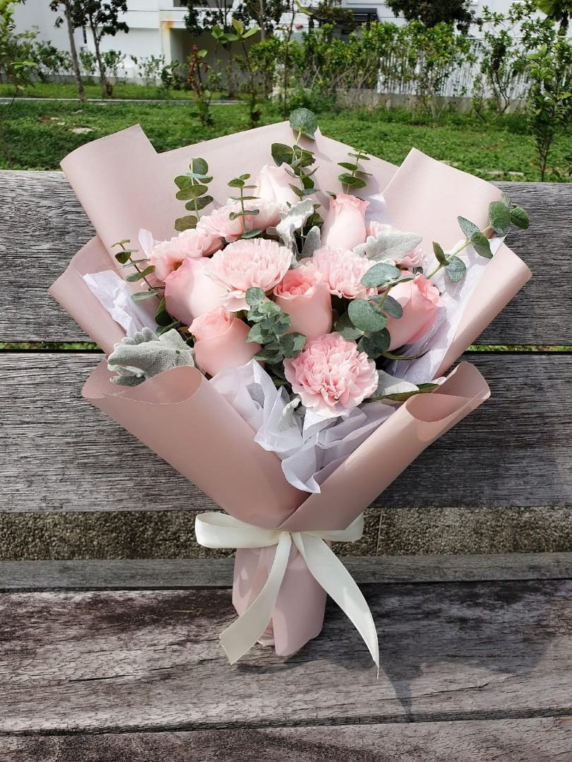 (CR01) Apricot - Carnation & Roses Bouquet