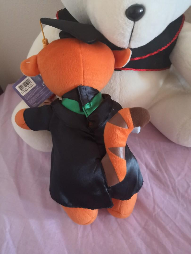Disney Graduation bear! Tiger from Winnie the Pooh with tag!