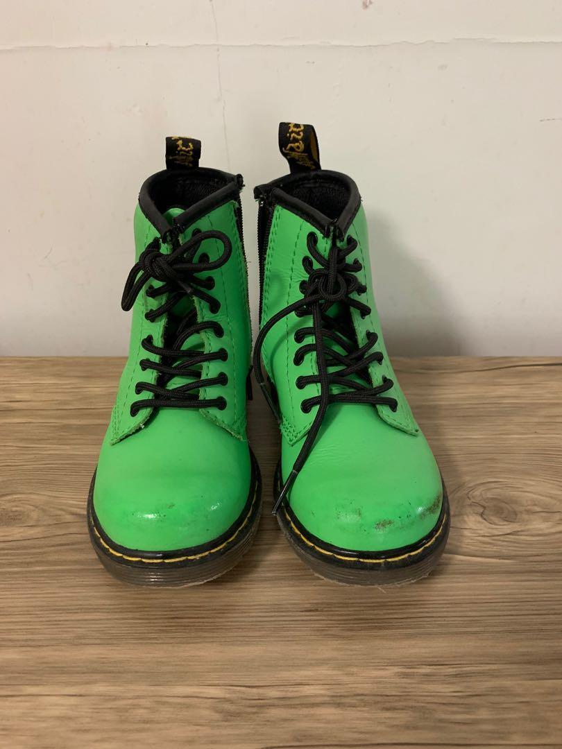 Dr. Martens 男孩靴