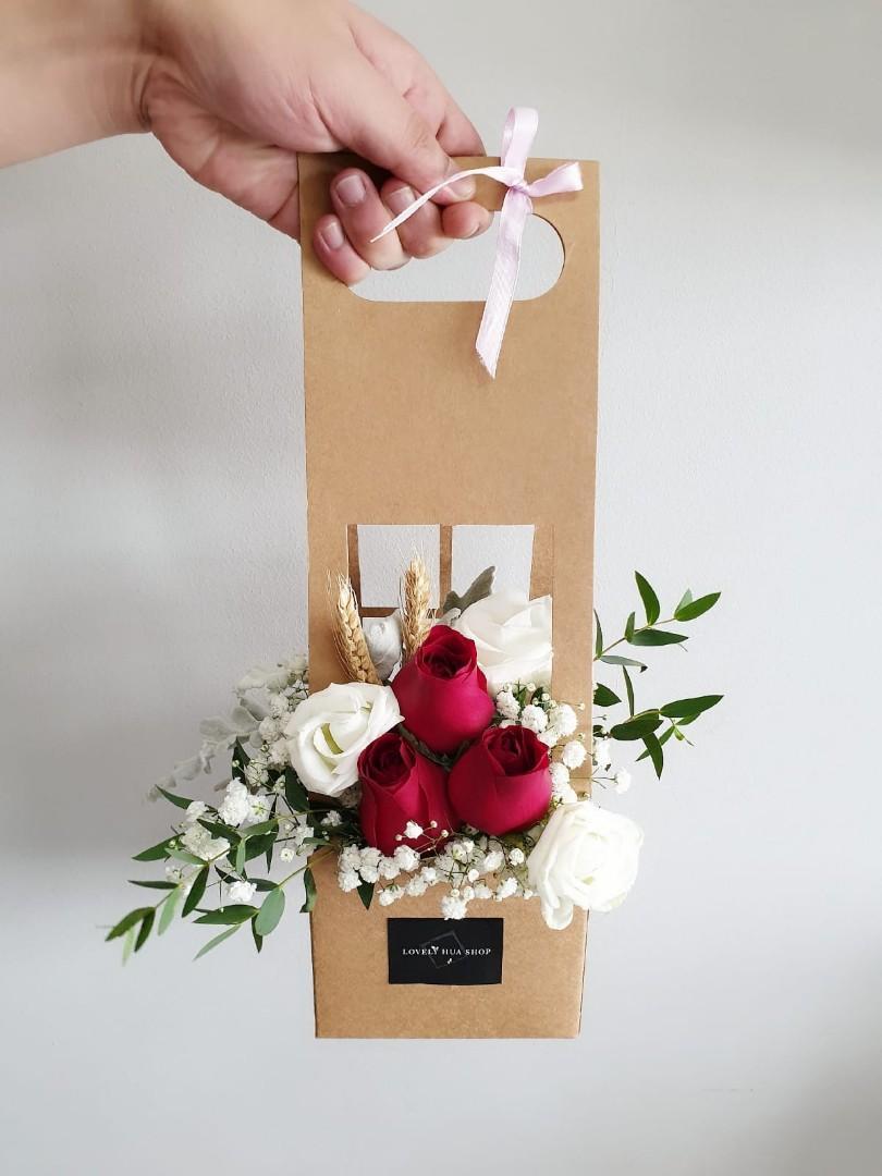 (FB03) Red Roses Floral Box