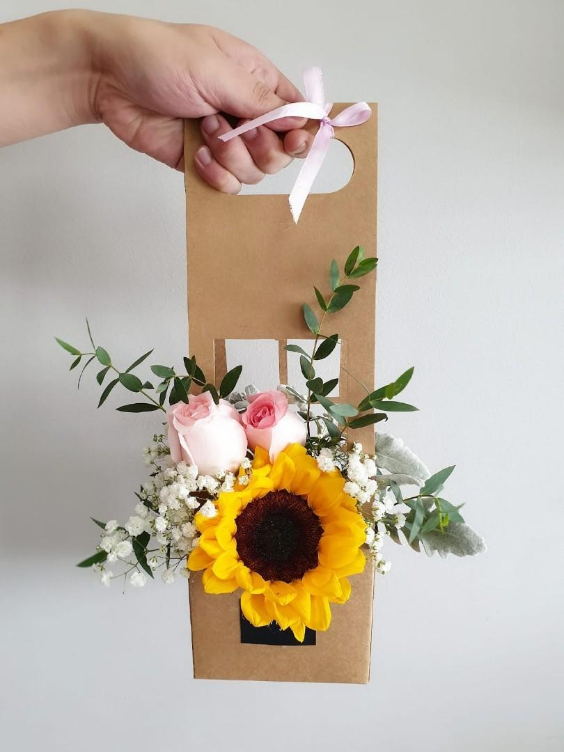 (FB04) Sunflower & Pink Roses Floral Box