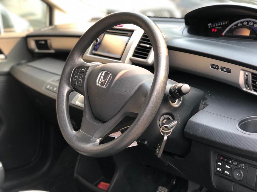 Honda Freed PSD AT 2016 Putih Dp 41,9 Jt Elctr Door, AC Double, Contrl Audio Steer No Pol Ganjil
